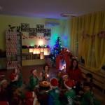 По Коледа отваряме сърцата си ...